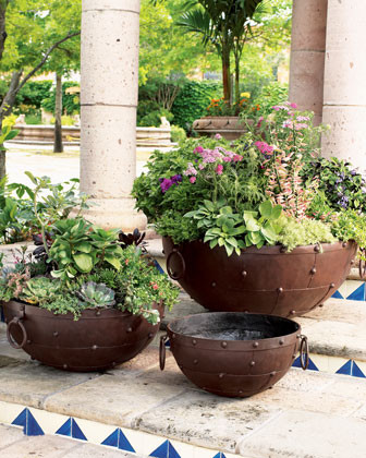 Planter traditional-indoor-pots-and-planters