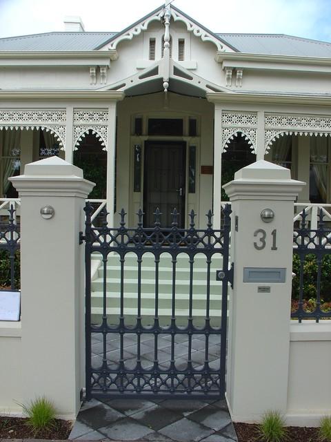 Sturt Cast Aluminium Fences & Gates traditional-home-fencing-and-gates