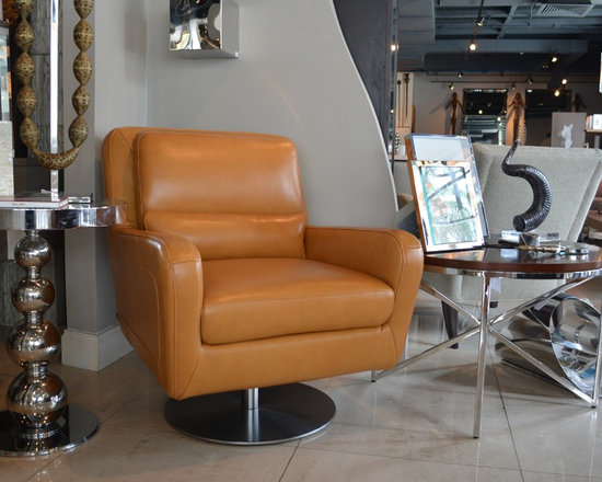 Showroom Pieces - Honey Leather Swivel chair