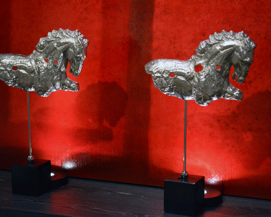 Accessories - Silver Horse on stand sculptures
