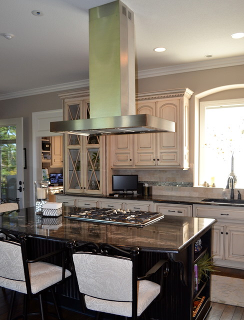 Golf Community Patio Home transitional-kitchen