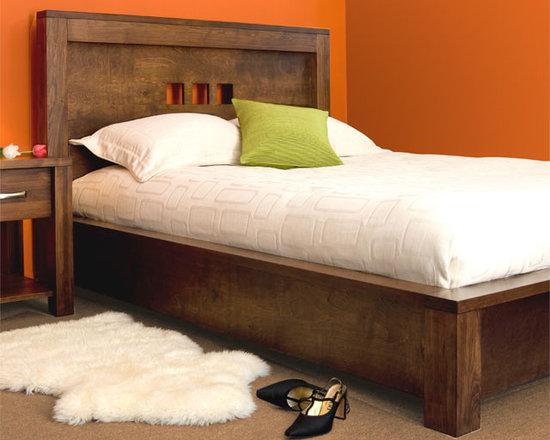 Creative Home Furnishings - Boxwood Furniture - Boxwood Bed