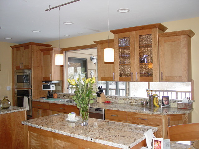Having it all! traditional-kitchen