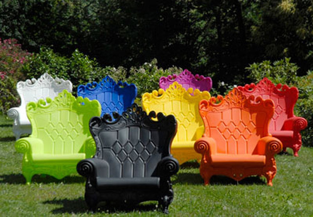 Queen of love armchair eclectic outdoor lounge chairs by the open room for Mobilier de jardin