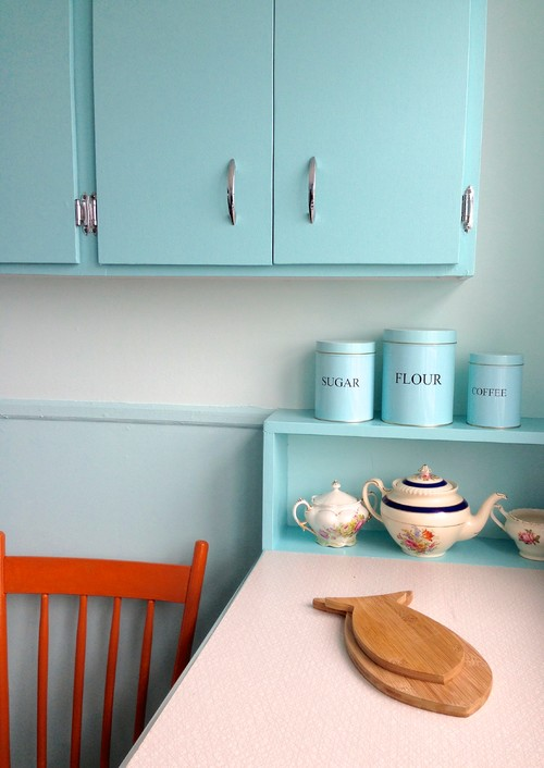 restored 1930s kitchen in turquoise