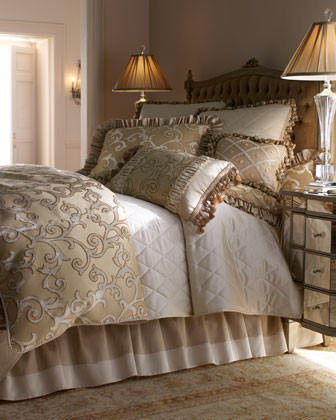Isabella Collection Hyde Park Bed Linens Queen Scroll Duvet Cover, 92W x 98L traditional-duvet-covers