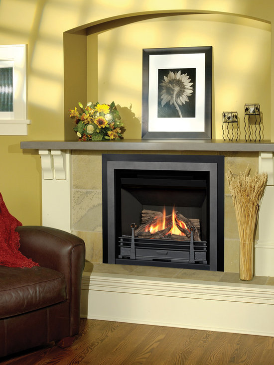 Horizon Series Fireplace - Horizon Clearview Front (645CFV), Contemporary Fret (RA24CV) with Valor Red Liner (621VRL).