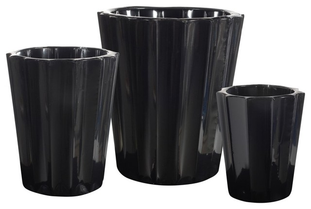 Black Metal Fluted Round Planters