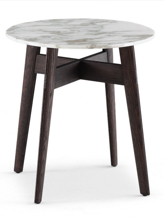 Poliform Bigger coffee table - This rich coffee table collection is full of distinctive features, like the curved lines and the rounded corners.