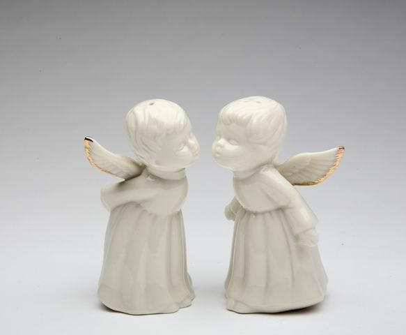 White Kissing Angels with Gold Trimmed Wings Salt and Pepper Shakers transitional-holiday-decorations