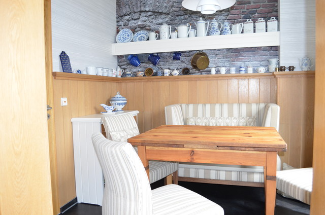 Landhausk che mit esszimmer farmhouse other metro by for Wohnideen lebedies