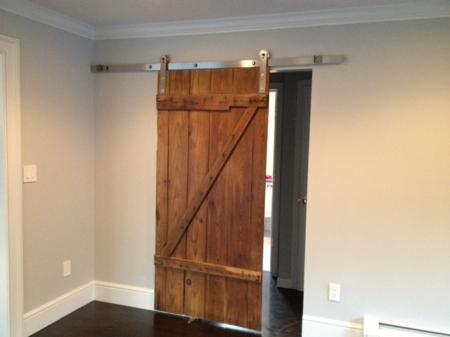 Reclaimed barn door design ideas from projects in nyc new for Decor barn doors