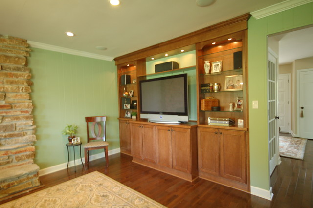 Built-In traditional-living-room