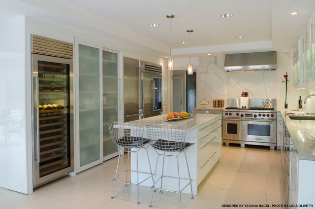 Houston Showroom contemporary-kitchen