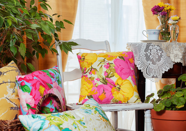 ARC Product Photography traditional-decorative-pillows