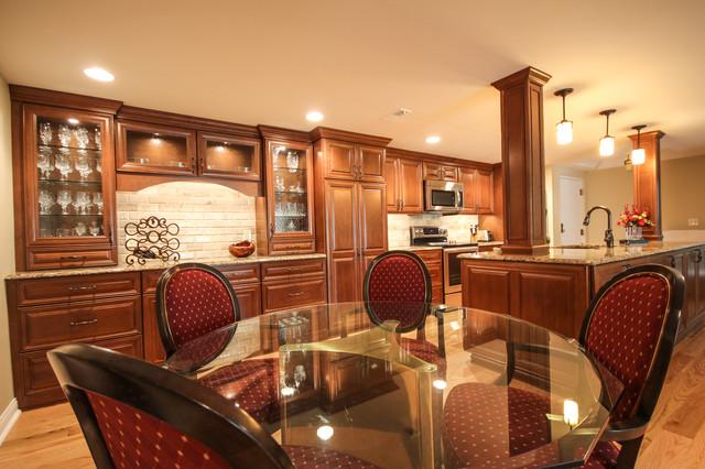 Cis' Kitchen traditional-kitchen