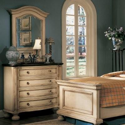 Sable Creek 4 Drawer Single Dresser - Antique White modern-dressers