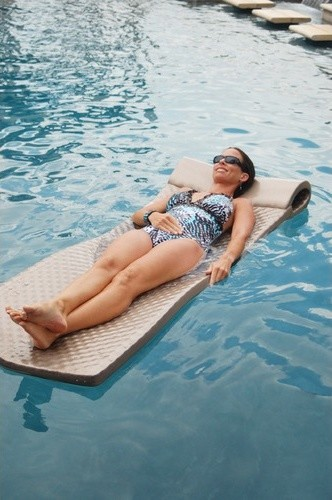 Super-Soft Pool Float modern-outdoor-products