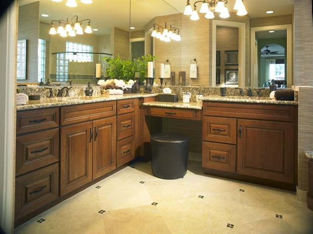 Yorktowne Cabinetry - Toll Brothers Model Home - Florida traditional 
