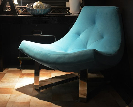 Showroom Pieces - Slink Chair