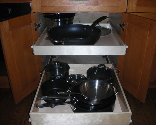 Kitchen Pull Out Shelves - Gain visibility and accessibility with full-extension pull out shelves from ShelfGenie of Los Angeles.