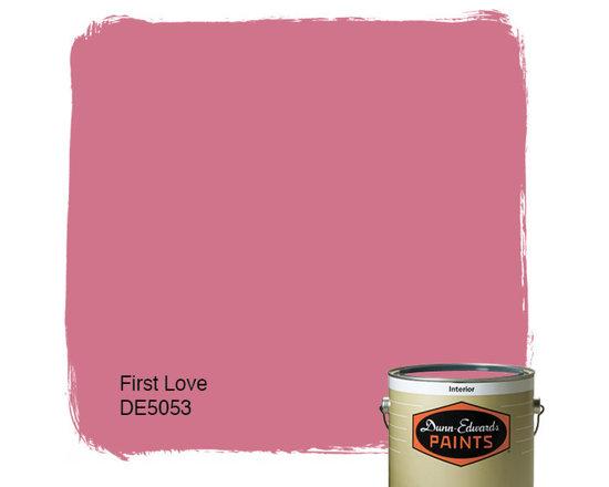 Dunn-Edwards Paints Creamy First Love DE5053 -