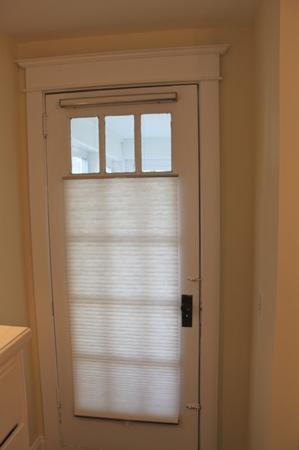 Shades for front door 17 best ideas about cordless for Blinds for front window