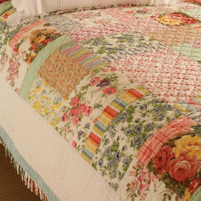 Printemps Quilt traditional-quilts-and-quilt-sets