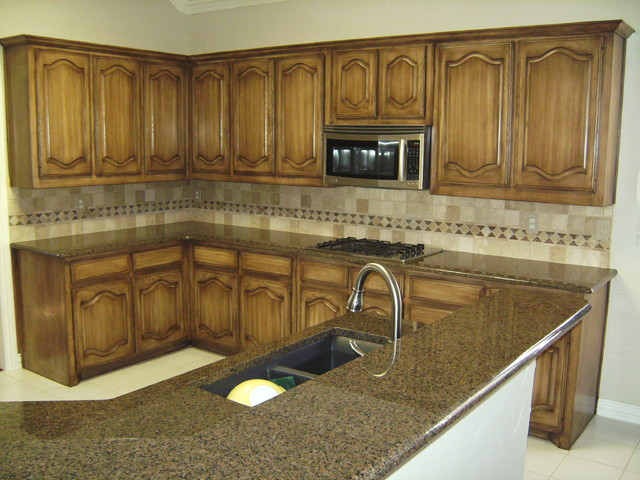 Kitchen Cabinets Before & After - Traditional - Kitchen - dallas - by Glen Houston's Painting