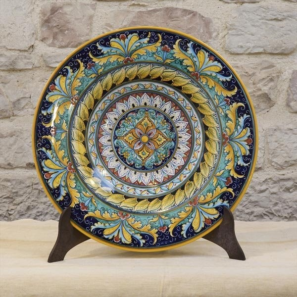 Decorative plates wall decor for Decorative wall dishes
