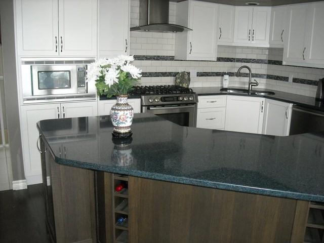 Mittlenatch traditional-kitchen