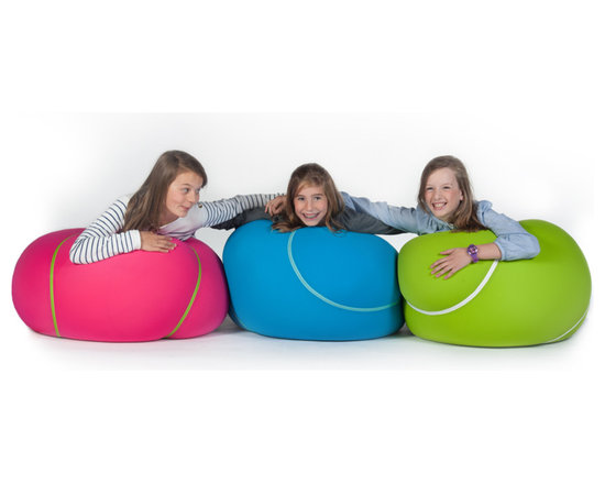 Doomoo - The Bool - With its round tennis ball look, the new generation of pouf is sporty in appearance...yet is ideal for cosy relaxation.
