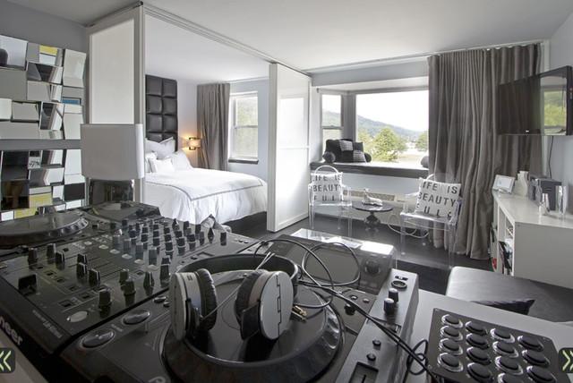Traveling DJ's Studio Apartment contemporary-bedroom