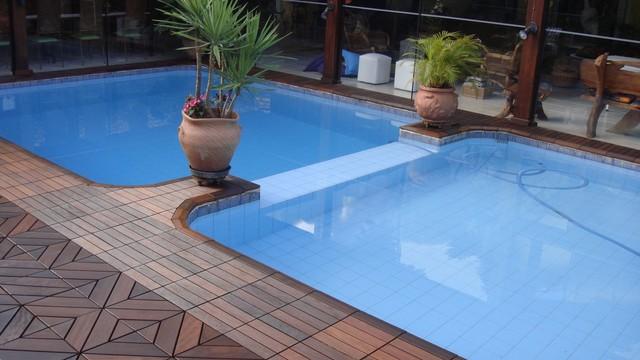 Pool areas copacabana and dubai itauba itauba size 12 for Pool area flooring