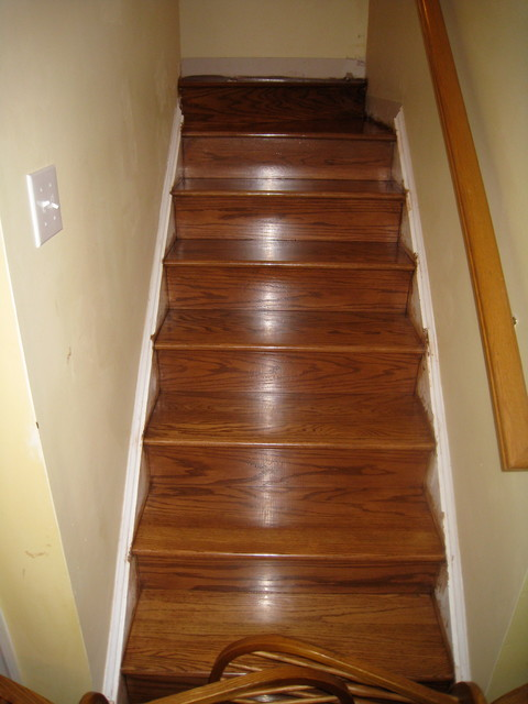 Red Oak Staircase traditional-staircase