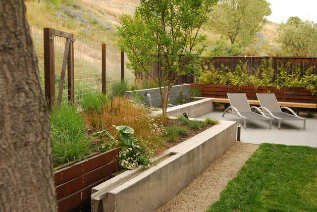 Garnet Residence modern-landscape