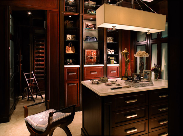 TRADITIONAL CUSTOM WALK-IN CLOSET traditional-closet