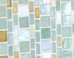 Monochromatic Sei-ta Glass tile