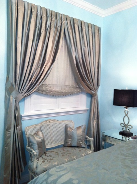 Pre-Teen Girl's Bedroom: Vintage Hollywood Glamour traditional-bedroom