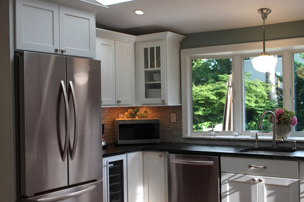 White Kitchen Cabinets | Shaker Kitchen Cabinets | CliqStudios ...