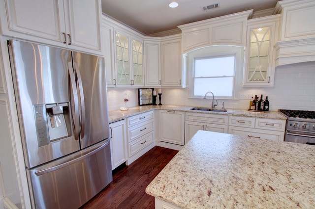 Marrero - Sugarloaf Park contemporary-kitchen-cabinets