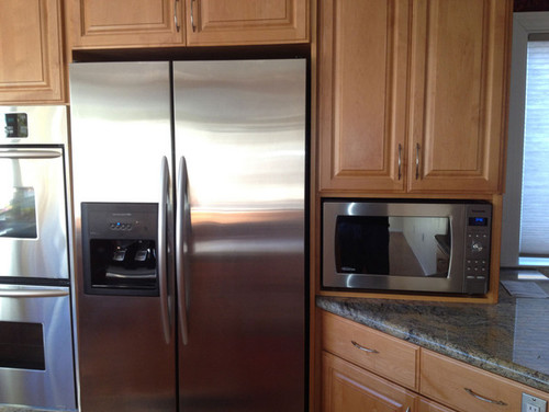 Narrow Countertop Microwave : How much clearance can I get away with for countertop microwave?
