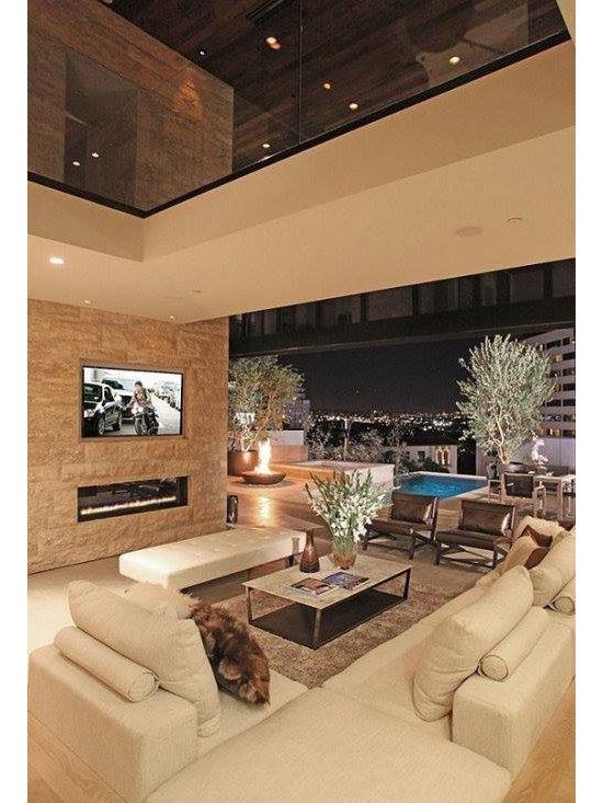 Riviera 66 -