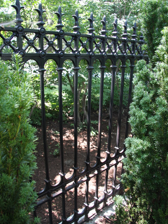 Heritage Cast Iron USA Stirling Full Height Fence -