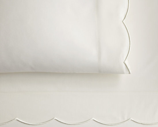 Peacock Alley - Overture Fitted Sheet, Ivory, Twin - Classic style and incredible comfort meet in this 300 thread-count, 100 percent Egyptian cotton sateen fitted sheet. Perfect for your traditional décor.