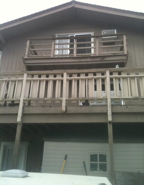 Decking and Balcony traditional