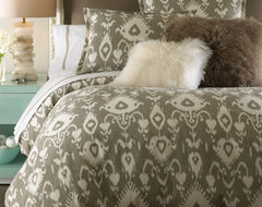 Daniel Stuart Studio Bristow Bed Linens Stone/Taupe Lambswool Pillow, 18Sq. traditional-bed-pillows