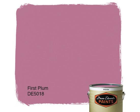 Dunn-Edwards Paints First Plum DE5018 -
