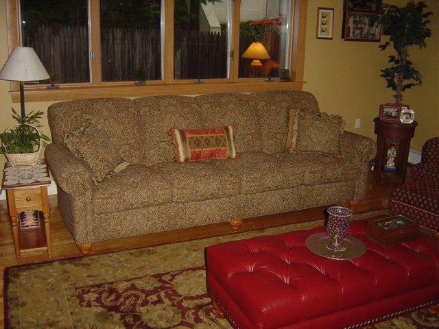 Sectionals and Sofas traditional-sofas