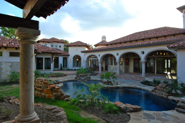Swimming pools by stadler custom homes mediterranean for Custom mediterranean homes